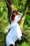 Bruid in bos Stock Foto