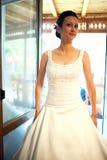 Bruid die zeker kijkt Royalty-vrije Stock Afbeeldingen