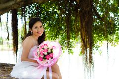 Bruid en bloem. Stock Fotografie