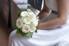 Bruid en boeket Stock Foto's