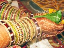 Bruid in Indisch Huwelijk Stock Afbeelding