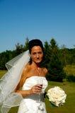Bruid met bloemboeket Stock Afbeeldingen