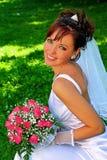 Bruid met de bos van bloemen Royalty-vrije Stock Foto