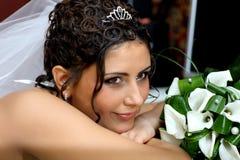 Bruid met extravagant kapsel royalty-vrije stock foto's