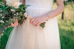 Bruid met huwelijksboeket Royalty-vrije Stock Afbeelding