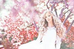 Bruid met verbazend haar Royalty-vrije Stock Foto's