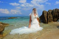Bruid op exotisch strandportret Royalty-vrije Stock Afbeeldingen