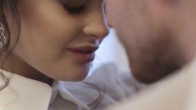 Bruidegom en bruid stock videobeelden