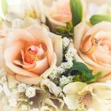 bruids boeket met rozen royalty-vrije stock fotografie
