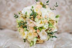 Bruids boeket op de laag Royalty-vrije Stock Fotografie