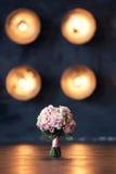 Bruids boeket op een achtergrond van lichten Stock Fotografie