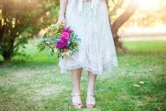 Bruidsmeisje en Boeket royalty-vrije stock foto's