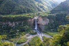 Bruidssluierwaterval in Cascadesroute, Ecuador Royalty-vrije Stock Foto's