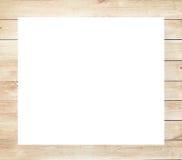 Bruin gekrast houten kader, aanplakbord of witte horizontale rechthoek met planken royalty-vrije stock fotografie
