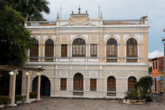 Bruin Herenhuis in Sao Luis stock foto's