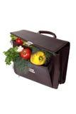 Bruine aktentas met rijpe verse groenten Stock Fotografie