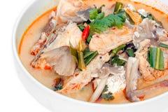 Bruine Bevlekte Groupe Tom Yam (Thaise keuken), vissen Stock Foto's