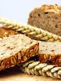 Bruine brood & tarwe royalty-vrije stock foto