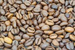 Bruine Coffeebeans Royalty-vrije Stock Afbeeldingen