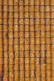 Bruine dakspanen op een huis Royalty-vrije Stock Afbeeldingen
