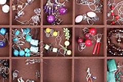 De donkere houten juwelen van de doos Stock Foto