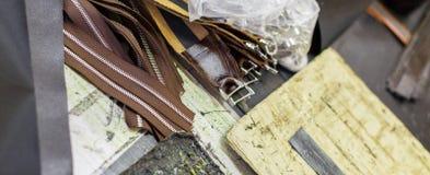 Bruine delen van handtassen Stock Foto