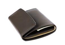 Bruine die leerportefeuille of beurs met geld op wit wordt geïsoleerd Royalty-vrije Stock Foto