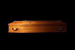 Bruine doodskist stock afbeelding