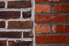 Bruine en Rode Bakstenen muur Stock Foto's
