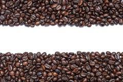 Bruine geïsoleerde koffiebonen Royalty-vrije Stock Fotografie