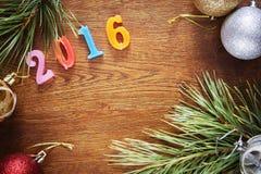 Bruine houten achtergrond over Gelukkig Nieuwjaar 2016 Stock Fotografie
