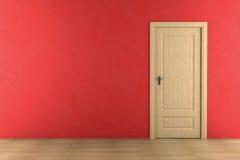 Bruine houten deur op rode muur Royalty-vrije Stock Foto's