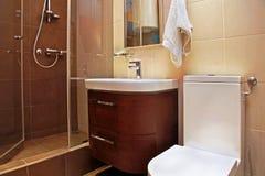 Bruine kleine badkamers Royalty-vrije Stock Fotografie