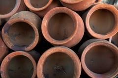 Bruine kleipotten, foto hierboven, de achtergrond van structuurcirkels Royalty-vrije Stock Afbeelding