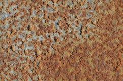 Bruine roestvlekken op de oppervlakte van een staalpijp Royalty-vrije Stock Foto's