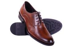 Bruine schoenen voor mensen bedrijfsstijl stock foto