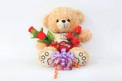 Bruine teddybeer op een witte achtergrond Stock Foto's