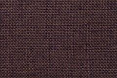 Bruine textielachtergrond met geruit patroon, close-up Structuur van de stoffenmacro Royalty-vrije Stock Afbeeldingen