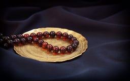 Bruine transparante natuurlijke halfedelsteen ronde parels Royalty-vrije Stock Afbeelding