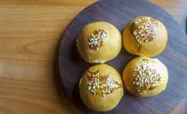 Bruine volkorenbroodbroodjes Royalty-vrije Stock Foto's