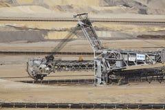 Bruinkool - Emmergraafwerktuig bij bovengrondse mijnbouw Inden Stock Foto