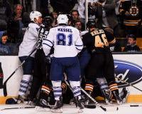 Bruins και ράγκμπι των Maple Leafs Στοκ Εικόνες