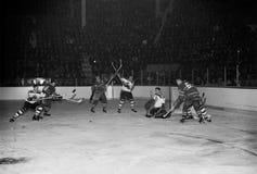 Bruins d'annata degli anni 50, gioco di Canadiens Fotografia Stock