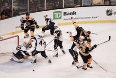 Bruins gegen Buffalo Sabres lizenzfreie stockbilder