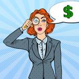 Bruit Art Amazed Business Woman avec l'argent trouvé par loupe Image stock