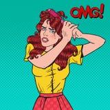 Bruit Art Angry Beautiful Woman avec les cheveux embrouillés Jeune fille frustrante avec la brosse de cheveux Image libre de droits