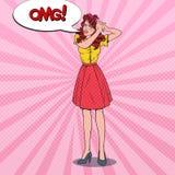 Bruit Art Angry Beautiful Woman avec les cheveux embrouillés Jeune fille frustrante avec la brosse de cheveux illustration stock