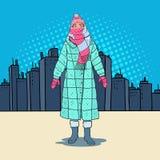 Bruit Art Beautiful Woman dans des vêtements chauds d'hiver dans la ville Temps froid illustration stock