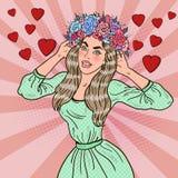 Bruit Art Beautiful Woman dans l'amour avec la guirlande de fleur Photographie stock libre de droits