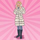 Bruit Art Beautiful Woman Posing dans le manteau de fourrure chaud Fille dans des vêtements d'hiver illustration stock